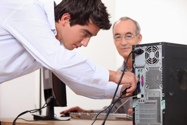 Computer repair technician in Perth